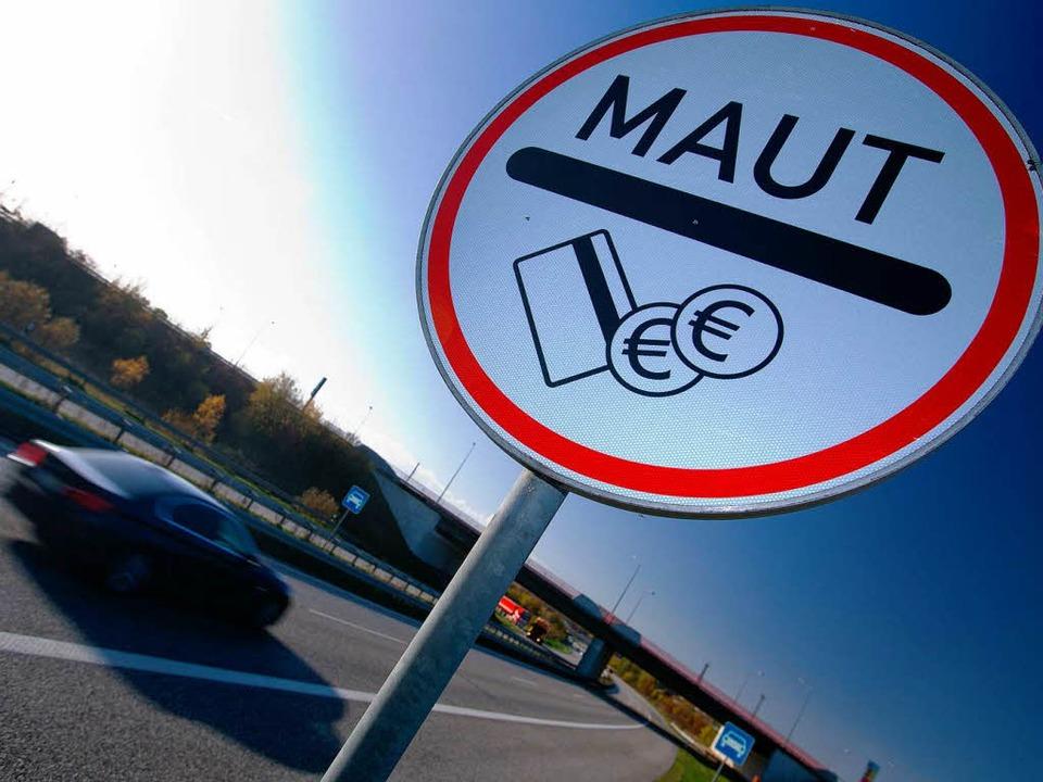 Autobahnmaut – ja oder nein? Tom...nling hat sich eine Meinung gebildet.     Foto: dpa