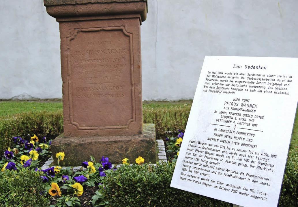 Die bestehende Gedenktafel für den frü...s Arbeitskreises Historie integriert.   | Foto: Hagen Späth