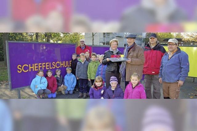 Tafeln der Scheffelschule leuchten in neuem Glanz