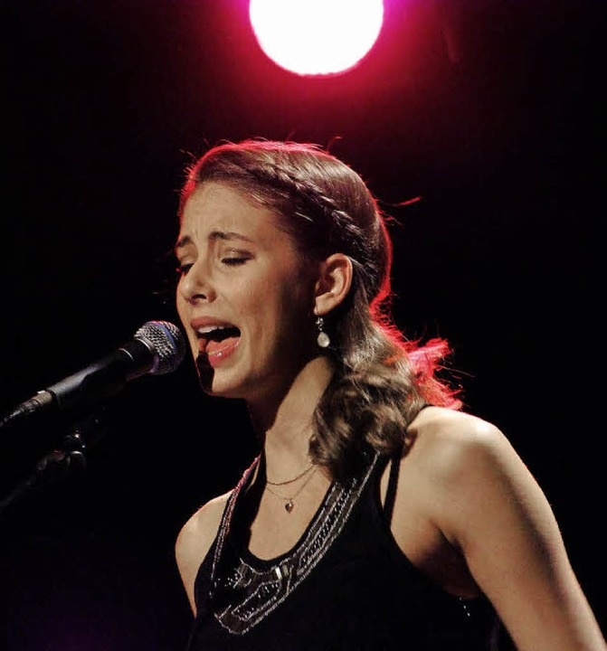 Céline Huber beeindruckt mit ihrer Stimme     Foto: Martina David-Wenk