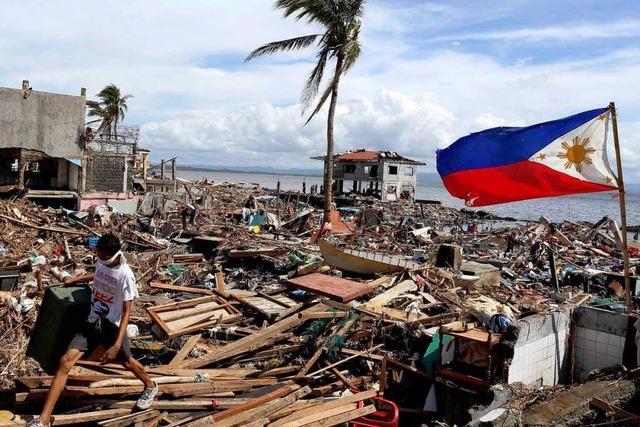 Philippinen: Die Not schlägt in Chaos um