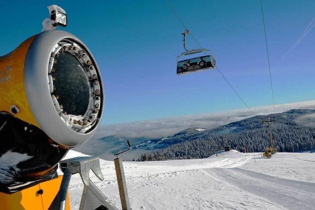 Saisonstart – auf dem Feldberg läuft der erste Skilift an