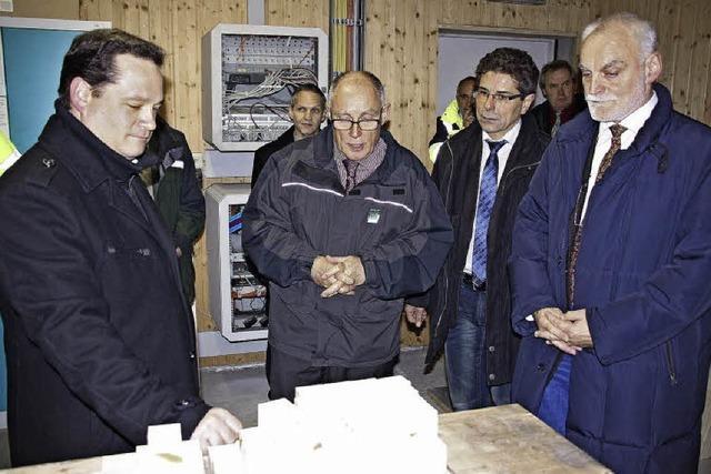 Holzheizkraftwerk liegt auf Eis