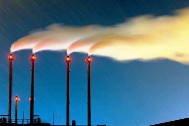 Energieversorger unter Druck – RWE kappt 6700 Jobs