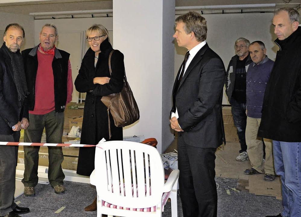 Landrätin Dorothea Störr-Ritter beguta...vierung des Dorfladens für Rötenbach.   | Foto: Liane Schilling