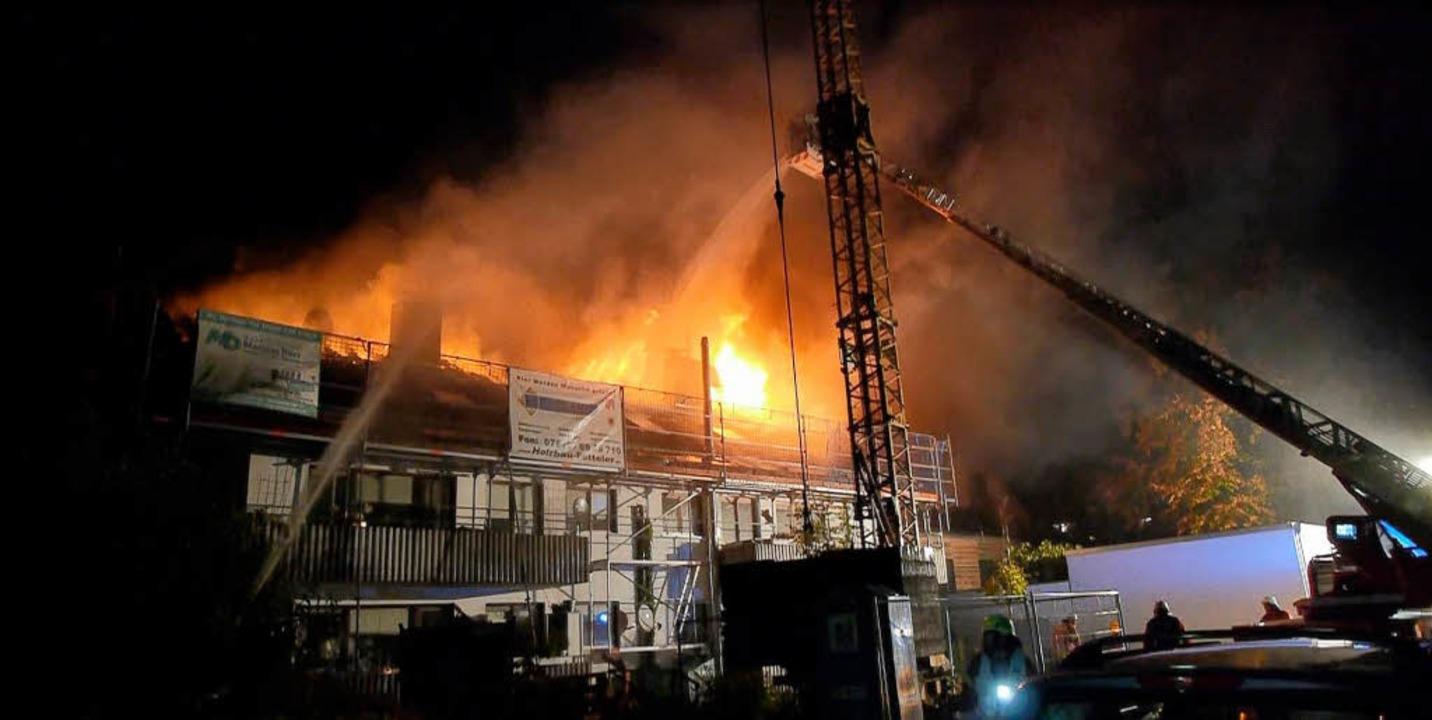 Dachstuhlbrand in Niederrimsingen gelöscht – keine Verletzten - Breisach