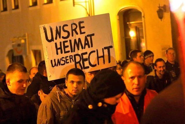 Protest gegen Flüchtlingsheim: Rechte spielen empörtes Volk