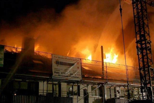 Hoher Sachschaden bei Dachstuhlbrand in Niederrimsingen