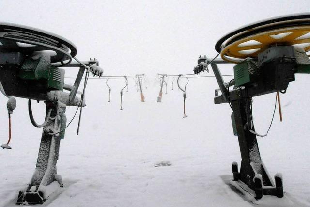 Auf dem Feldberg tummeln sich die ersten Skifahrer