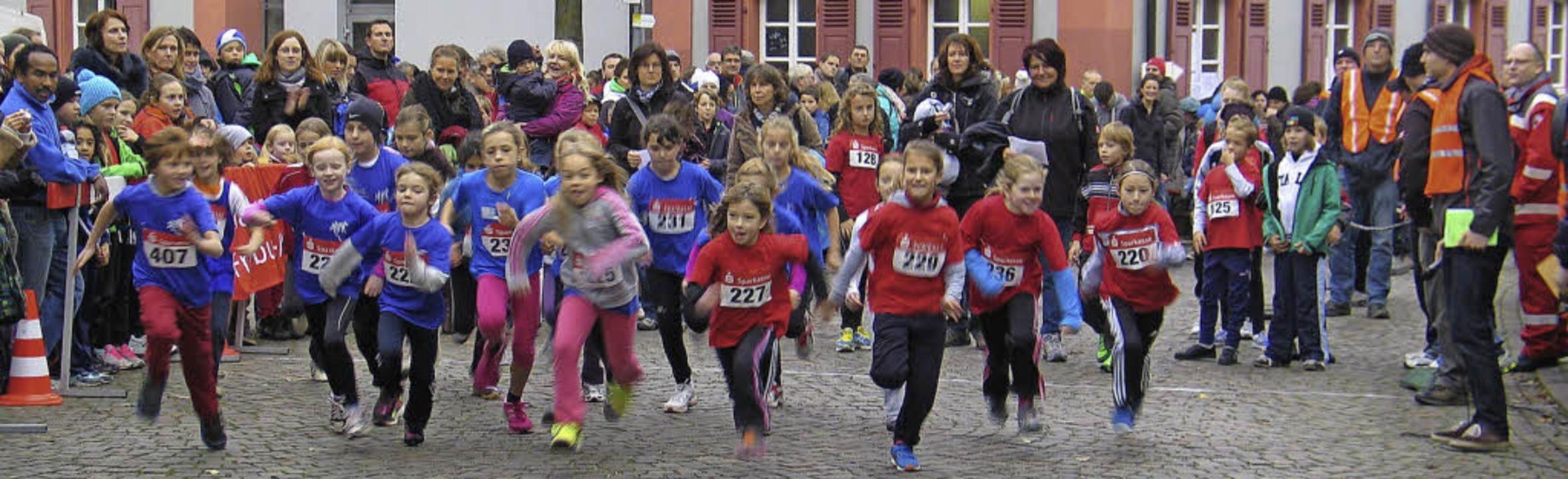 Mit großem Eifer und Ehrgeiz bei der S...fernachwuchs beim Riegeler Crosslauf.   | Foto: Helmut Hassler
