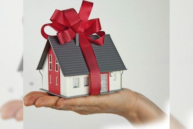 Immobilienschenkung zu Lebzeiten ist nur mit Rückfallklausel sinnvoll