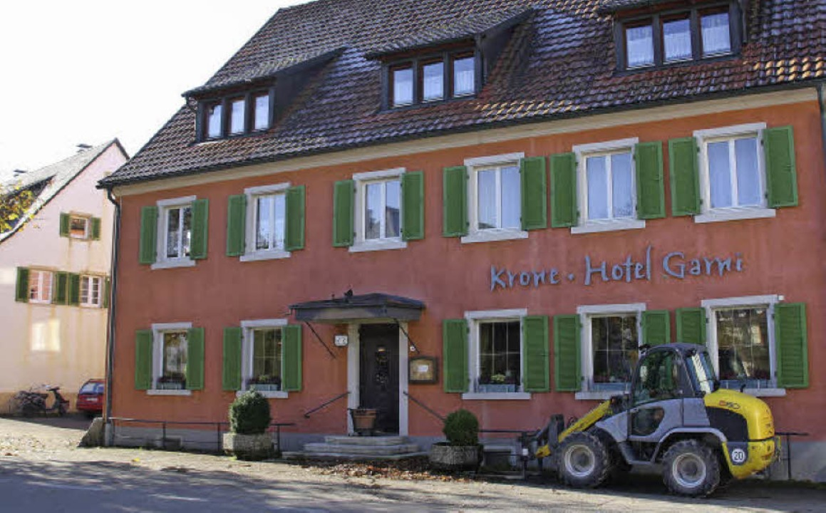 willi sutter erwirbt hotel krone in kirchzarten. Black Bedroom Furniture Sets. Home Design Ideas