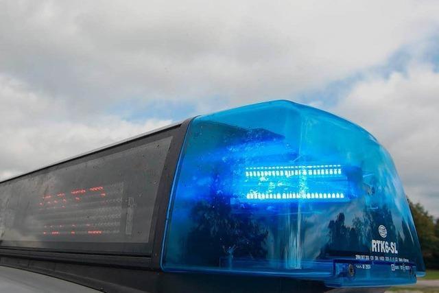 Einbrecher entreißt Dienstpistole und schießt – Komplize auf der Flucht