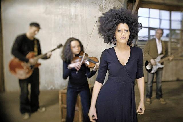 Die kubanische Sängerin und Songwriterin Addys Mercedes tritt im Bürgersaal auf