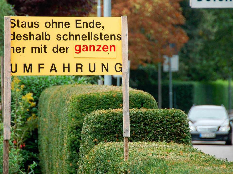 """Der Streit um die Ortsumfahrung für St...222;Großen Umfahrung"""" von  2008.    Foto: Markus Donner"""