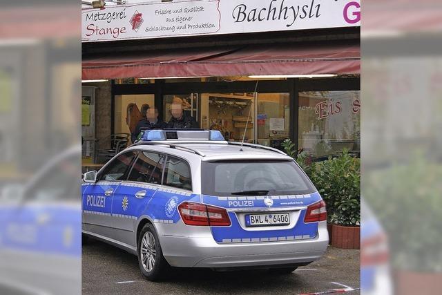 Polizei rekonstruiert den Tatablauf