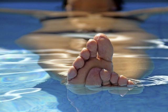 Jeder dritte deutsche Erwachsene versucht einen Fußpilz loszuwerden
