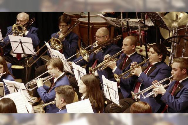 Der Dirigent genießt in vollen Zügen