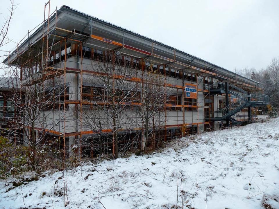 Verlassen, aber bereit:  die Caritaswerkstätte St. Georg in Neustadt    | Foto: Peter Stellmach (4)/jan Deichner