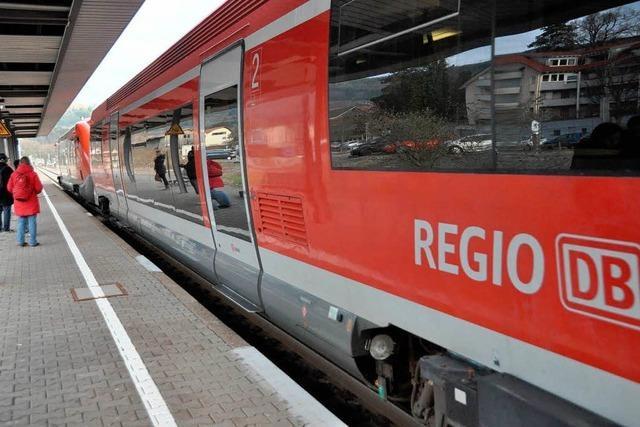 Hochrheinbahn: Pendler beklagen Unpünktlichkeit und Zugausfälle