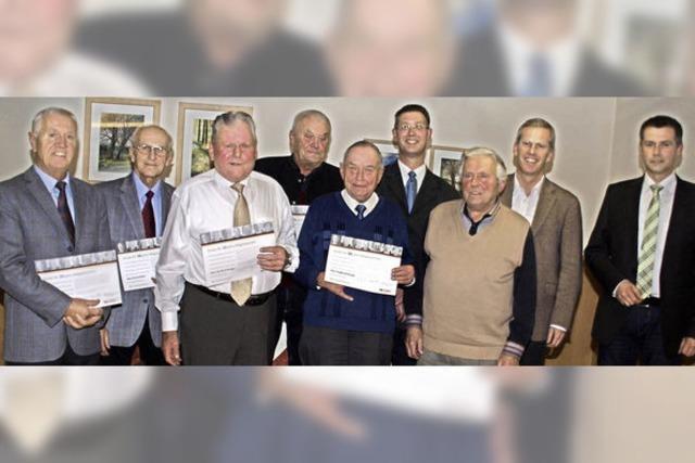 Acht Männer, die der CDU seit 50 Jahren die Treue halten