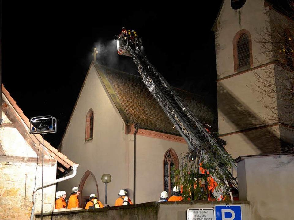 Feuer in der evangelischen Kirche in Eimeldingen  | Foto: Kamera24tv. Martin Ganz