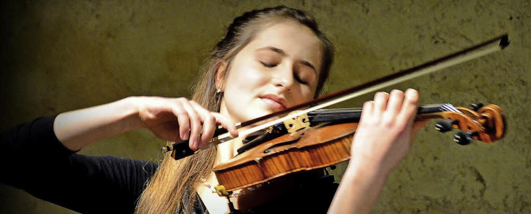 Außerordentliches Debüt: Violinistin Annika Starc aus Kirchzarten   | Foto: Archivbild: Markus Donner
