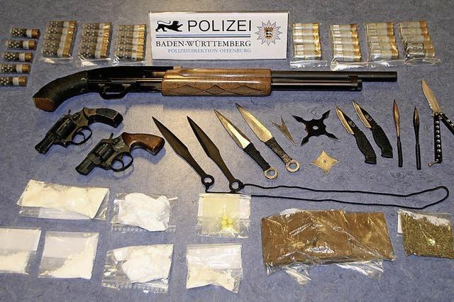 Drogen, Wurfsterne, Schusswaffen