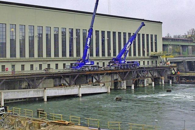 Bau der Fischtreppe am Kraftwerk Ryburg erreicht schwierigste Phase