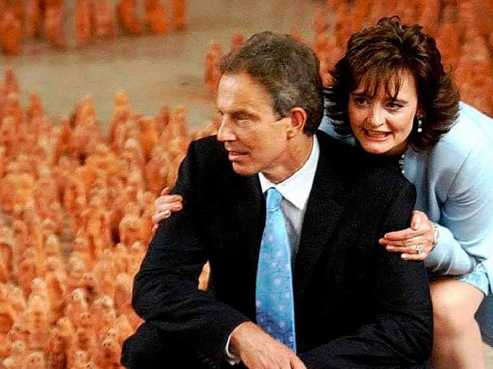 <ppp></ppp> und Tony und Cherie Blair    | Foto: dpa