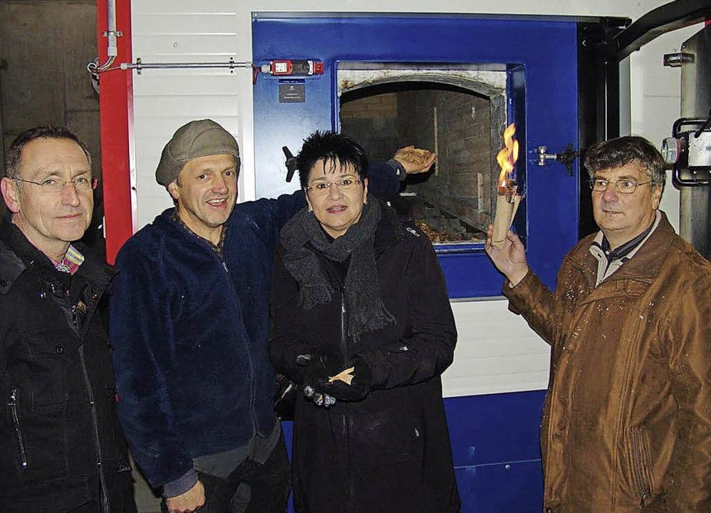Nahmen den  Ofen in Betrieb (von links..., Anette Pfaff und Adelbert Heitzmann   | Foto: Heinrich Fehrenbach