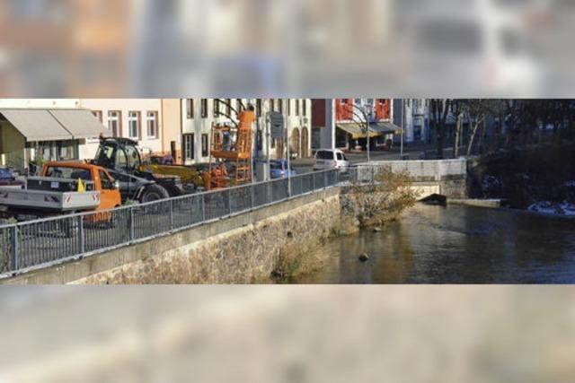 Attraktive Straße mit neuem Wassererlebnis