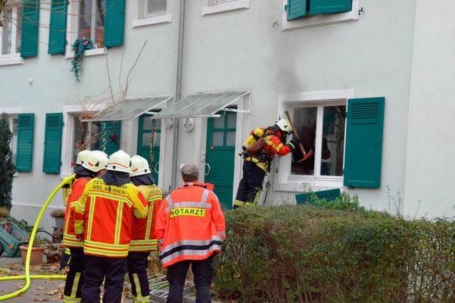 Feuerwehr löscht Wohnungsbrand in der Marktstraße