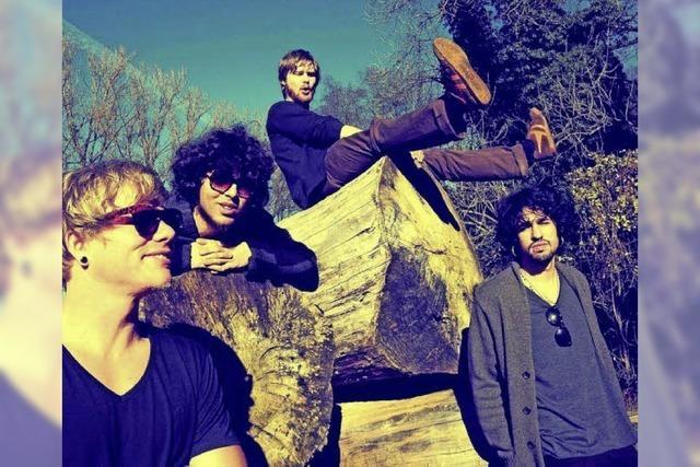 Indierock von First Against The Wall, Who's Panda und der Toni Hoffmann Band
