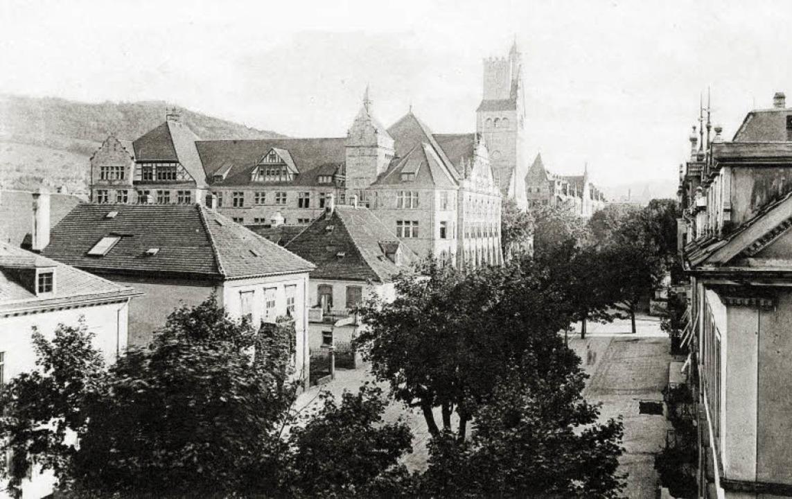 Links  von der  damaligen Oberrealschu...den einstigen Gasthaus-Räumlichkeiten.  | Foto: Archiv Hans Sigmund