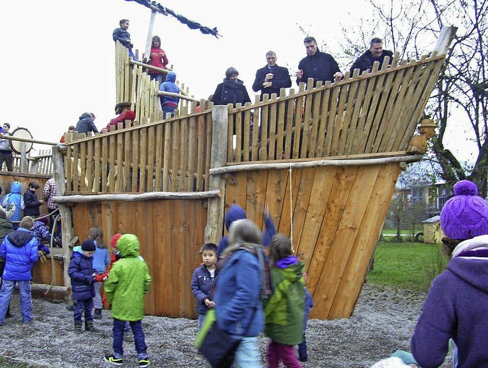 Entern erlaubt: Das Holzschiff auf dem...is auf ein paar Kleinigkeiten fertig.   | Foto: Johanna Högg