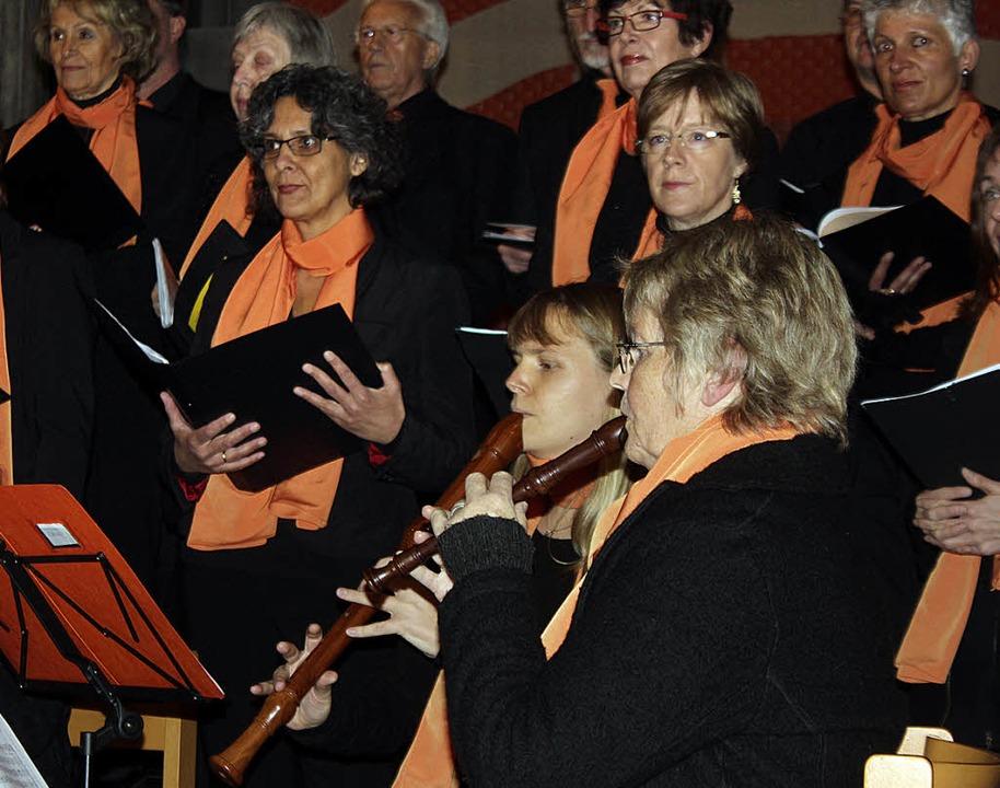 Begleitet von der Blockflötengruppe Ho...ingen zu einem etwas anderen Konzert.   | Foto: Rita Freidl