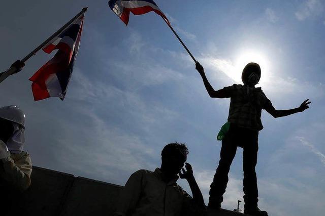 Neue Polizeitaktik in Bangkok: kein Tränengas