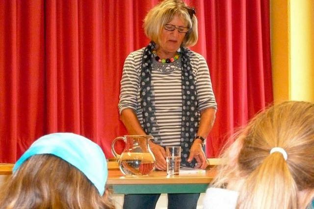 Lesung mit Bettina Rinderle an der Karoline-Kaspar-Schule