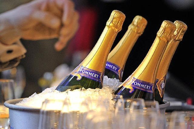 Diebe stehlen Champagner