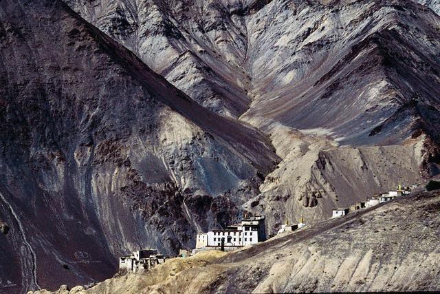 Dia-Show über Hochgebirgslandschaften und buddhistische Kultur