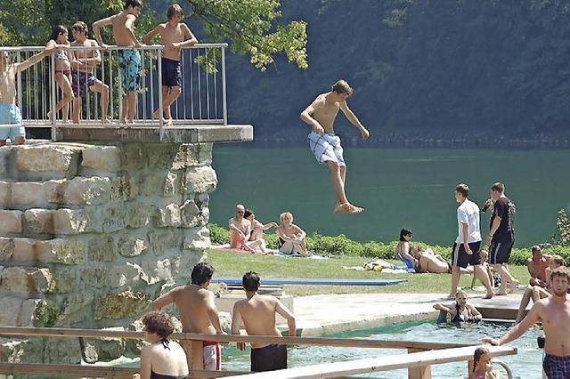 Deutlich mehr Badegäste im MuRheNa