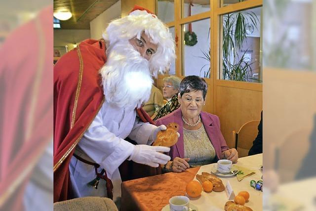 Senioren feiern mit der AWO und dem Nikolaus