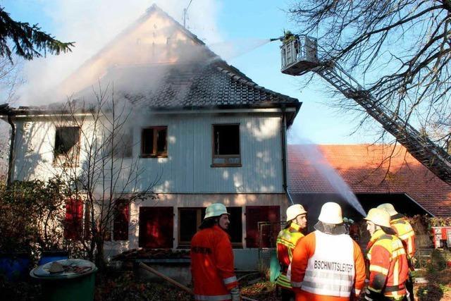 Offener Kamin löst Brand aus – zwei Leichtverletzte in Bremgarten