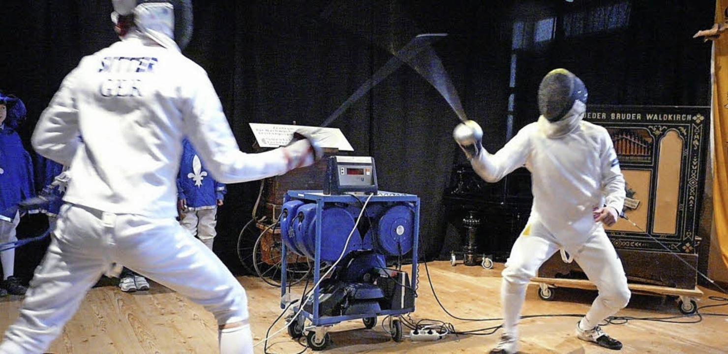 Daniel Sitter (links) und Daniel Berne... sich einen interessanten Schaukampf.   | Foto: Fotos: Eberhard Weiss