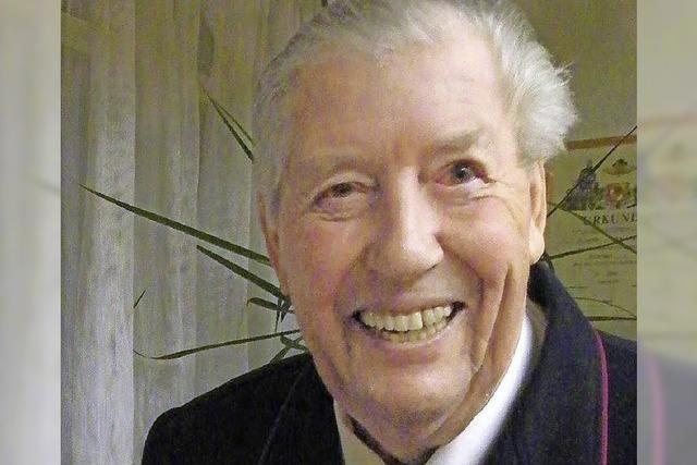 EHRUNG: Gemeinde ehrt Lothar Döll