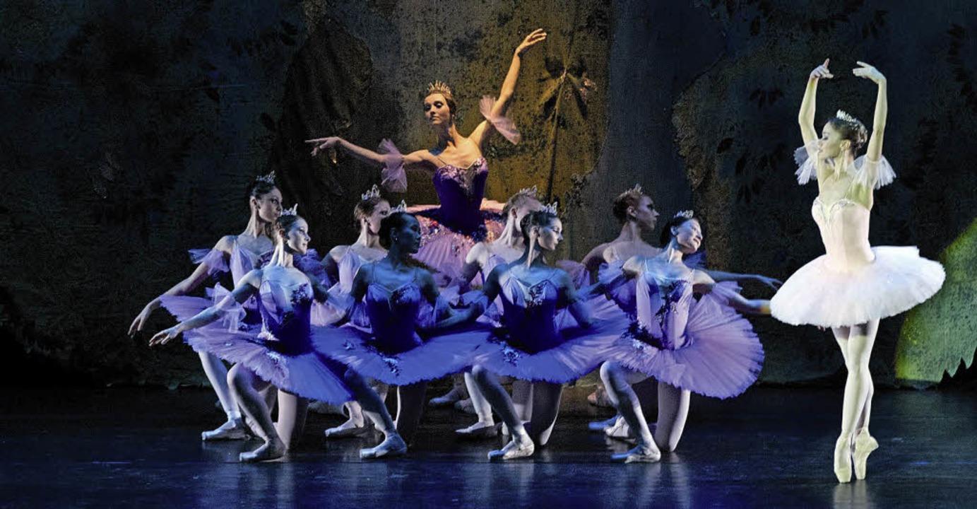 Getanzte Märchenverzauberung: die Tänz... aus Moskau auf der Bühne des Burghofs  | Foto: zvg