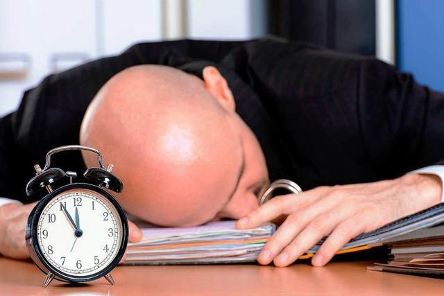 Sechs oder acht Stunden Schlaf?