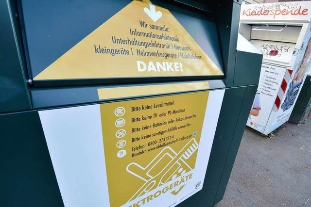 Freiburg stellt Container für Elektroschrott auf