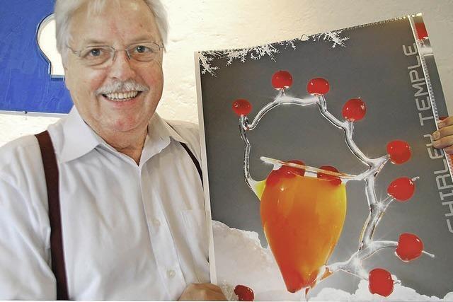 Der Rheinfelder Glaskünstler Wilfried Markus präsentiert einen Duftkalender